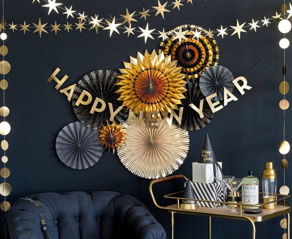 Happy New Years Eve Fans And Banner Decorations For A Party Etsy