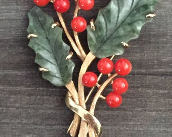14kt Yellow Gold Jade & Coral Brooch
