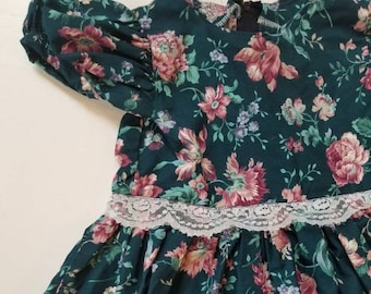 Vintage floral handmade child's dress. Approx size 5