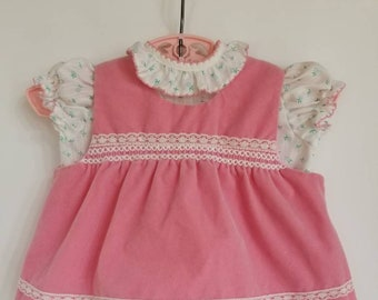 Vintage two piece baby top. Approx size 3- 6 months