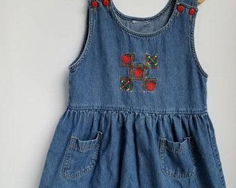 Vintage girls denim dress. Approx size 4.