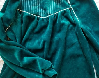 Vintage velvet childs dress. Approx size 5