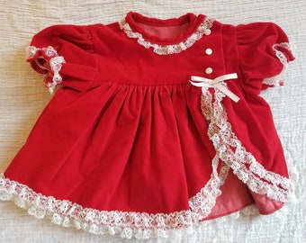 Vintage lace trimmed baby 6- 12 months
