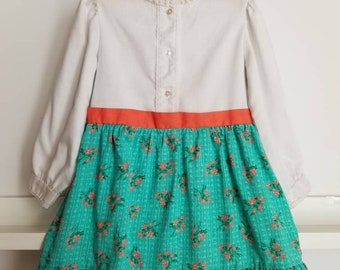 Vintage floral accented girls dress. Union made in the USA Approx size 5/6