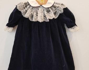 Vintage velvet toddler dress. Approx size 24 months