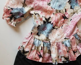Vintage floral accented dress. Approx size 4/5