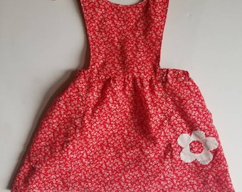 Vintage 1970s handmade toddler pinafore. Approx size 18-24 months