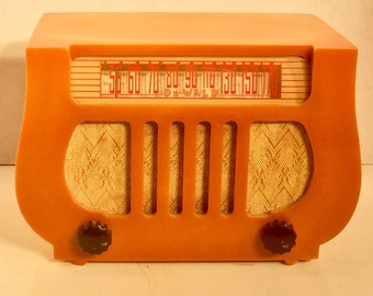 "Rare Antique Dewald Catalin Radio Model A501 ""Lyre or Harp"" in Butterscotch, Non Working"