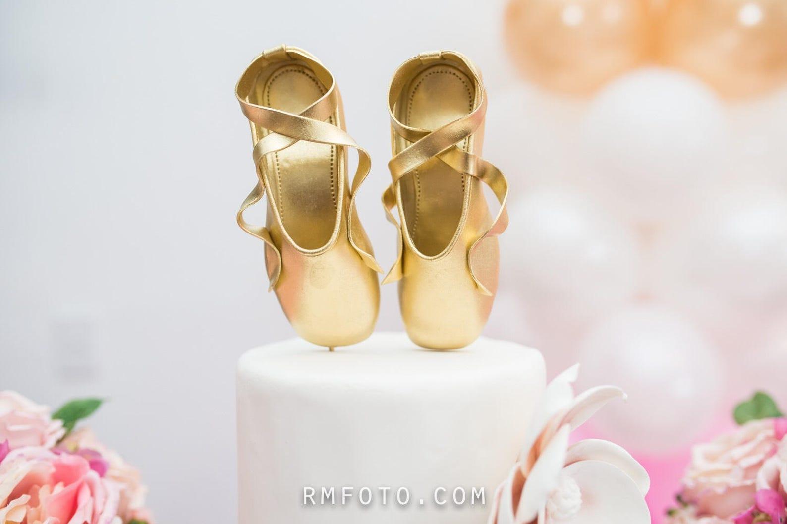 ballet slippers fondant cake topper