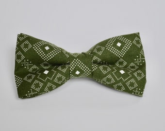 Green Patterned Bow tie