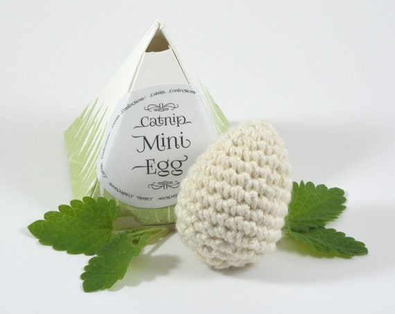 Catnip Mini Egg, Crocheted Cat Toy with Catnip Scented Package
