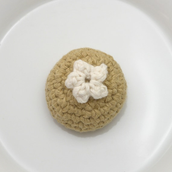 Silvervine Truffle, Crocheted Cat Toy Candy Play Food BonBon