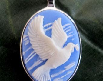 Lux Accessories Free As A Bird Dove Peace Love Pendant Necklace.