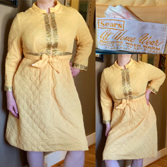 Vintage 60s Quilted Robe / Vintage Yellow Quilted