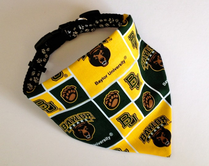 Baylor University, No-Tie, Slip Over Collar Dog Bandana, Baylor University Classic Square Design
