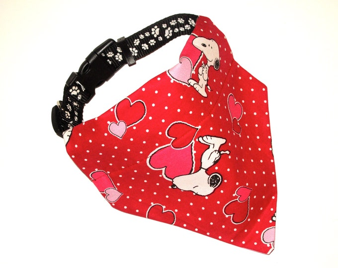Red Snoopy Dog Bandana, No-Tie, Slip Over Collar, Tossed Snoopy heart fabric