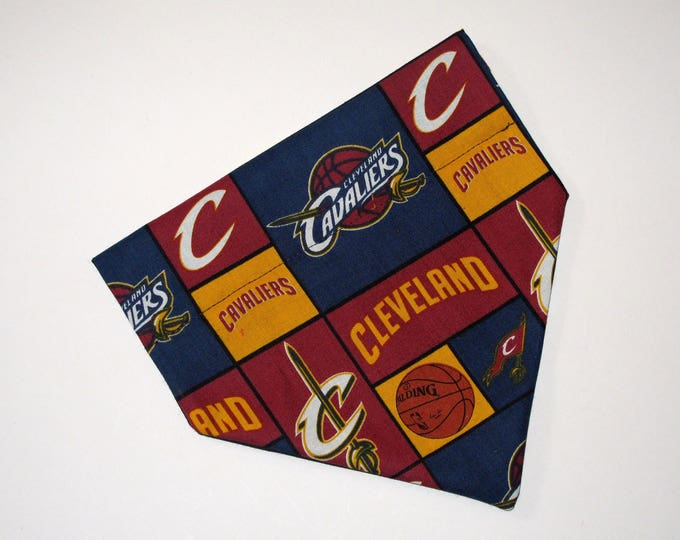 No-Tie, Slip Over Collar Dog Bandana, Cleveland Cavaliers
