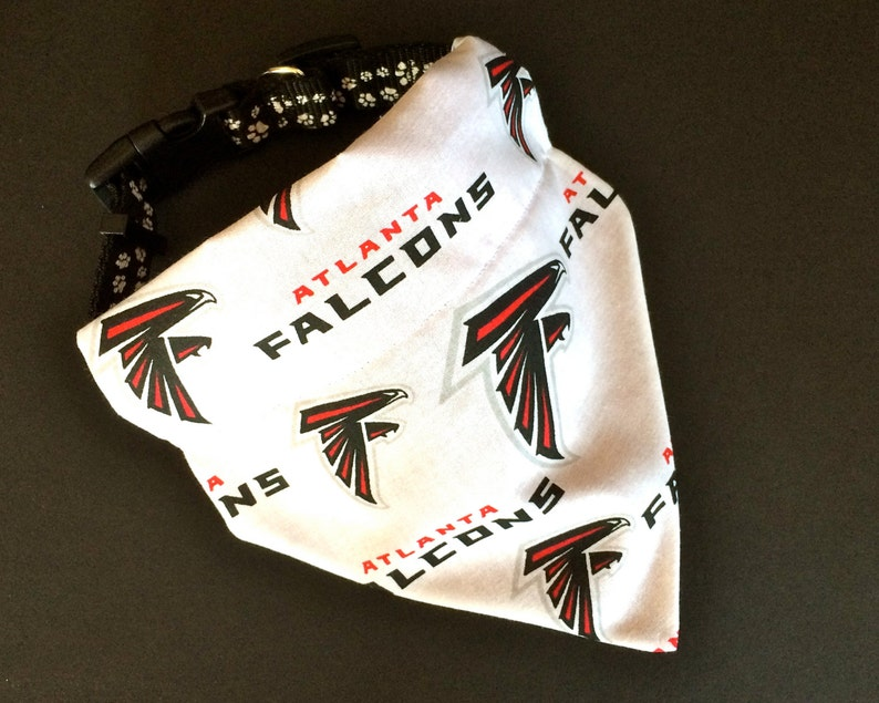 competitive price 6cdb8 2f89c No-Tie, Slip Over Collar Dog Bandana, Atlanta Falcons