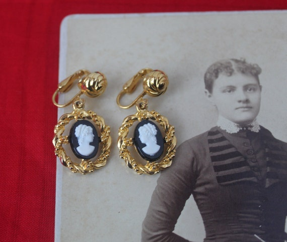 Vintage Molded Cameo Earrings, Molded Cameo Earrin