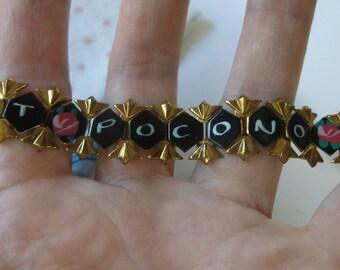 "Vintage 1960s Poconos PA Bracelet, Mt. Pocono PA Bracelet with Painted Pink Roses, 7.5"" long"