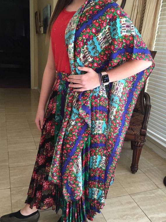 Pleated skirt & scarf by Black designer