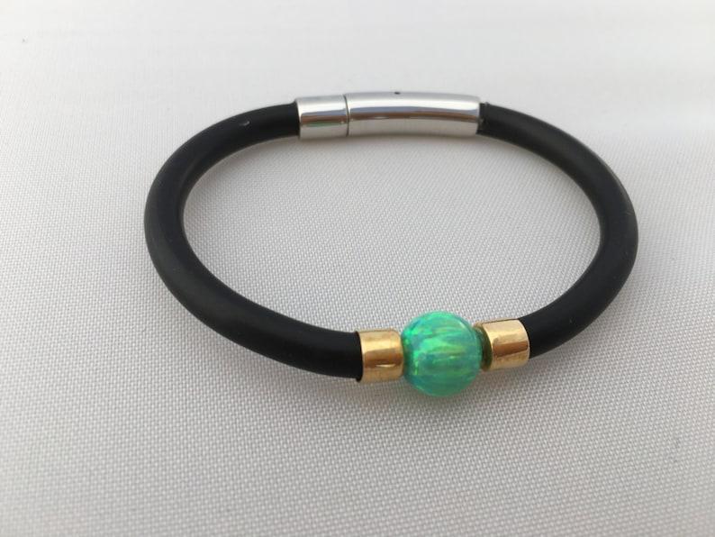 e851df209cb0 Esmeralda verde Opal pulsera con 9ct amarillo oro y banda de