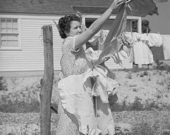 Vintage Image Lady Hanging Laundry on Clothesline 8 x 10 - Digital Download