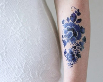 Floral temporary tattoo / Delft Blue temporary tattoo / flower temporary tattoo / boho gift / something blue wedding / festival accessoire