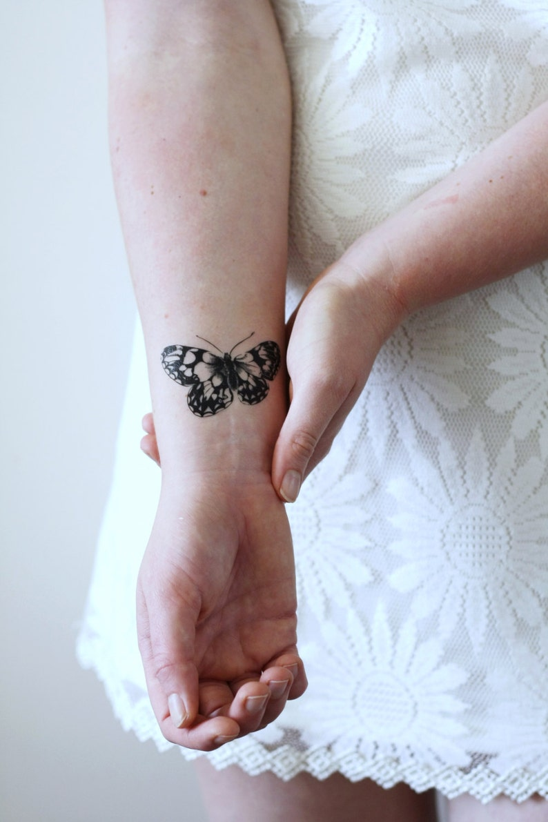 Vintage butterfly temporary tattoo / butterfly accessoire / image 0