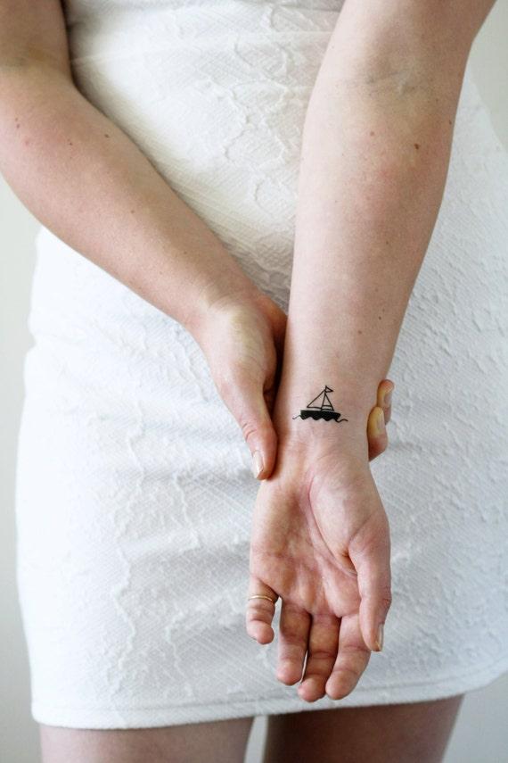 2 Petits Bateaux Tatouages Temporaires Navire Tatouage Etsy