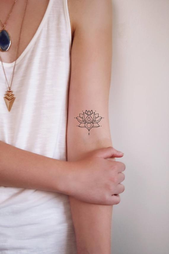 Tatouage Temporaire Petit Lotus Tatouage Temporaire Bohème Boho Tatouage Tatouage De Lotus Lotus Faux Tatouage Idée Cadeau Boho