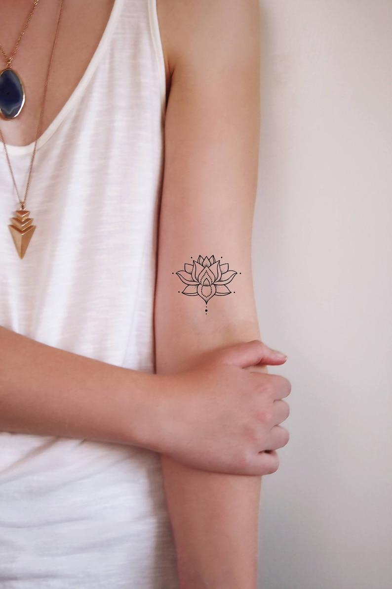 Tatuaje Temporal Pequeno Lotus Tatuaje Temporal Bohemio Etsy
