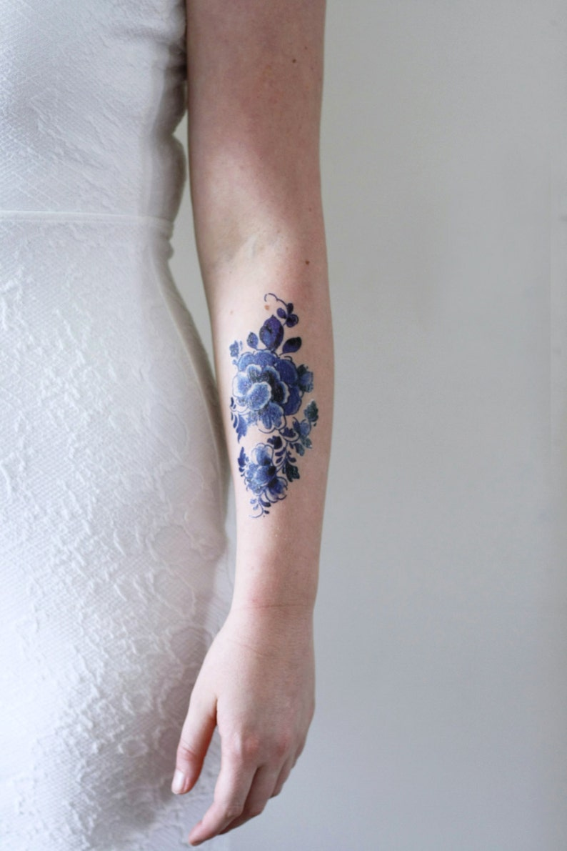 Floral temporary tattoo / Delft Blue temporary tattoo / flower image 0