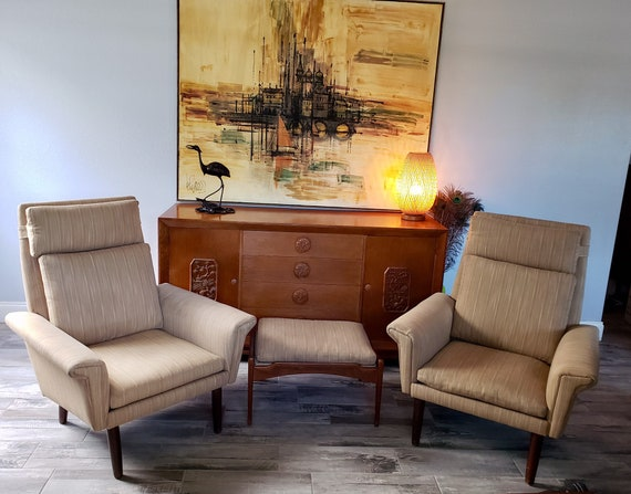 Cool Vintage Mid Century Modern High Back Club Chair Lounge Accent Chairs Pair Of 2 Tan Beige Upholsery Wood Mcm Gamerscity Chair Design For Home Gamerscityorg