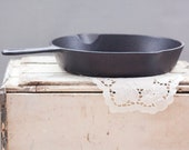 Wagner Griswold 9, 11 quot cast iron skillet grill manufactured in the 1960 39 s in excellent condition.