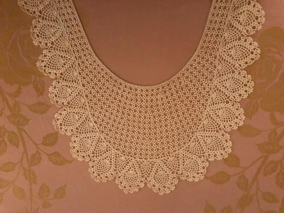 Beautiful Vintage Long Lace Collar - image 6