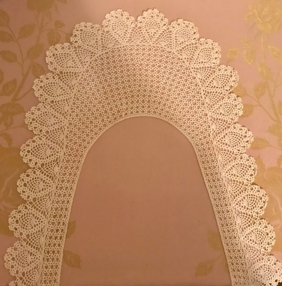 Beautiful Vintage Long Lace Collar - image 7