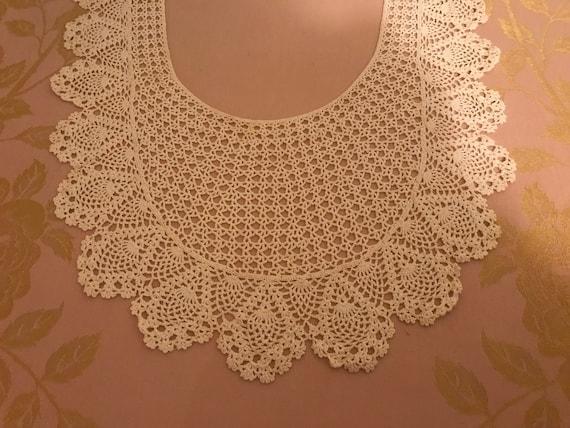 Beautiful Vintage Long Lace Collar - image 5