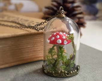 Red mushroom necklace, Fly Agaric, Bell jar, fly amanita, Amanita muscaria, Love, Glass Dome, Mori Girl, Moss Woodland Forest Terrarium