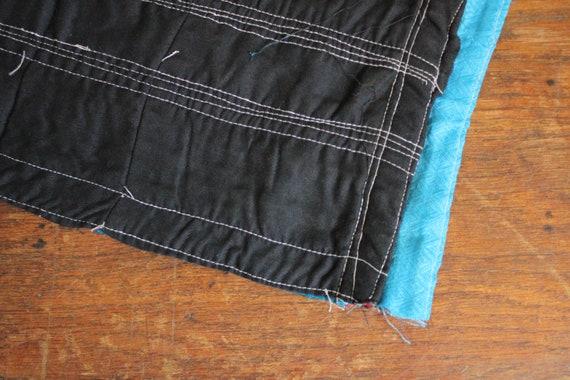 Impresionante Azul Índigo//Negro Denim Vestido De Tela De Algodón Craft ropa Cojín Hogar