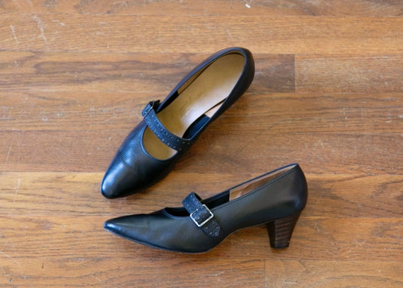 Nora shoes | vintage 60s shoes | black Mary Jane 6