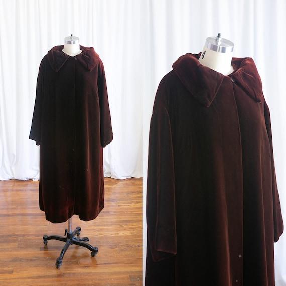True Satisfaction coat | vintage 1950s velvet coat
