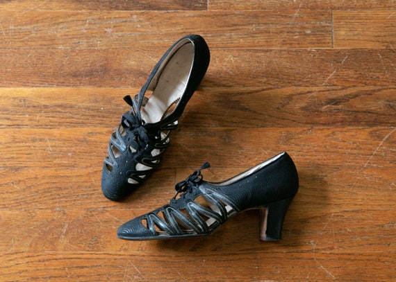 Hester shoes | vintage 30s shoes | 1930s black hee