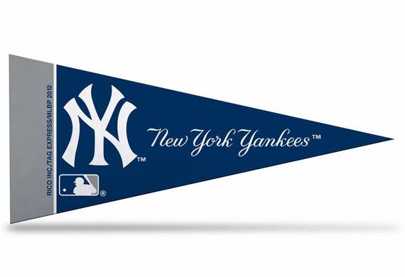 MLB Kansas City Royals Licensed Ribbons /& Mini Pennants