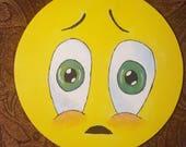 Articles similaires à Emoji six pouces triste visage yeux ...