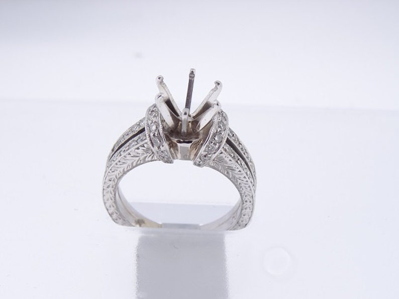 18K White Gold Antique Design Diamond Engagement Ring Wedding image 0