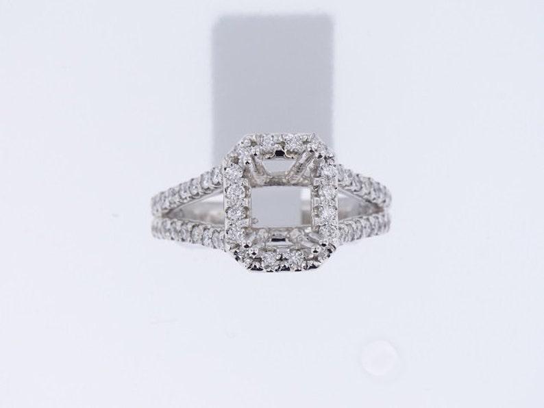 14K White Gold Diamond Halo Design Engagement Ring Prong Set image 0