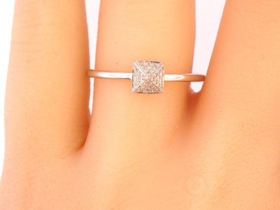 14K White Gold Diamond Pyramid Pave Ring Anniversary Ring Fashion Ring Right Hand Ring Stackable Ring Band Rose Gold White Gold Platinum