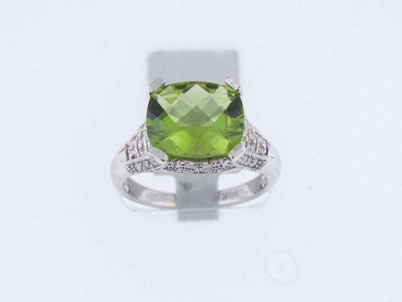 14K White Gold Diamond and Peridot Antique Design Ring 3.84 image 0