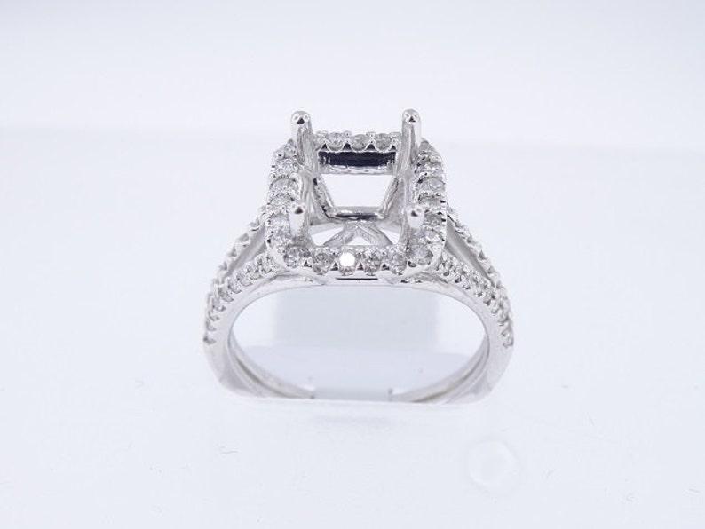 14K White Gold Diamond Halo Engagement Ring Wedding Ring image 0